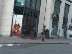 Atentate teroriste la Paris: Al cincilea suspect, inculpat oficial Belgia