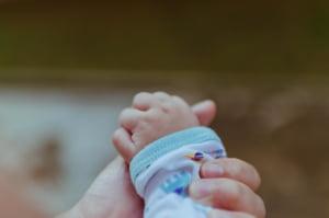 Criza bebelusilor: Se cere demisia conducerii spitalului din Pitesti, medicii ameninta cu proteste