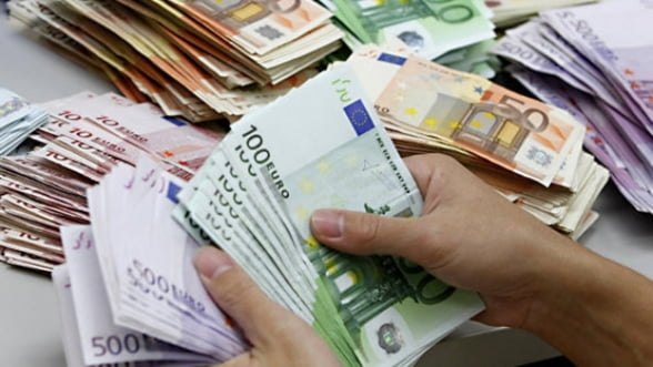 Curs valutar 09 aprilie Casele de schimb cu cele mai bune cotatii la euro si dolar