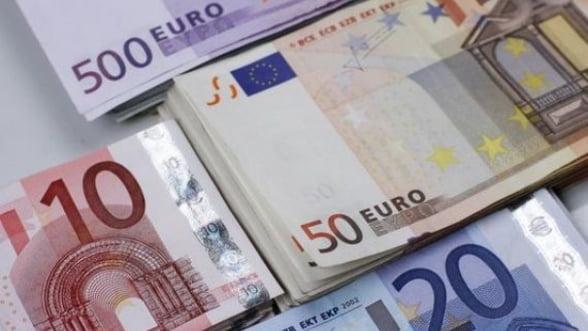 Curs valutar 2 decembrie. Bancile continua sa vanda scump. Afla unde gasesti cel mai bun curs de schimb
