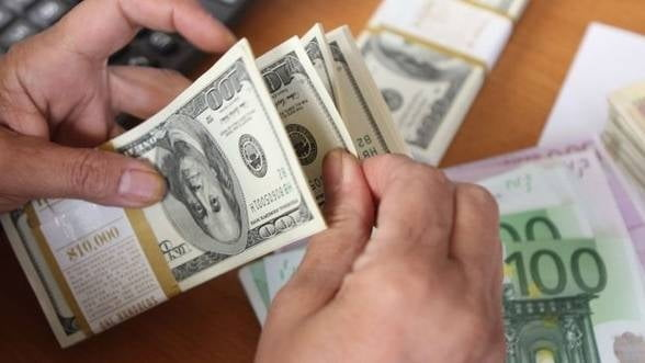 Curs valutar 30 aprilie Cele mai avantajoase oferte pentru tranzactiile cu euro si dolari