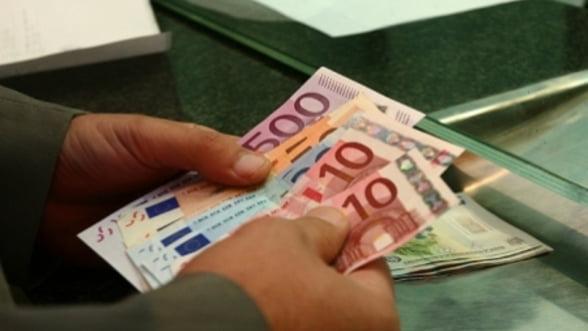 Curs valutar 8 noiembrie. Casele de schimb Luxor si Real GI vand cel mai ieftin euro si dolarul american