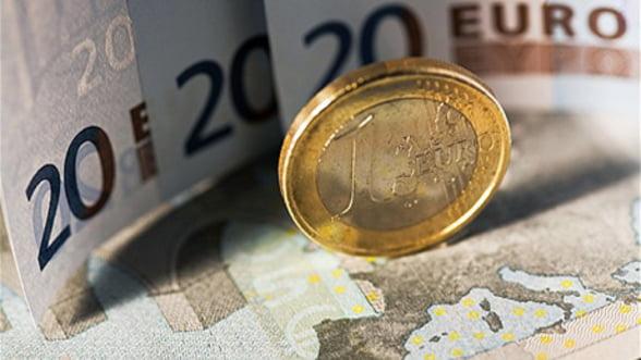 Curs valutar. BNR a afisat un curs de referinta de 4,4635 lei/euro