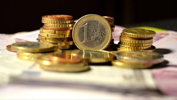 Curs valutar. BNR a afisat un curs de referinta de 4,4712 lei/euro