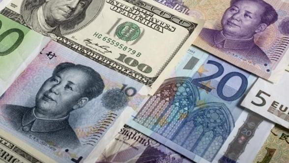 Curs valutar. Cotatia euro, apoape de pragul de 4,42 lei