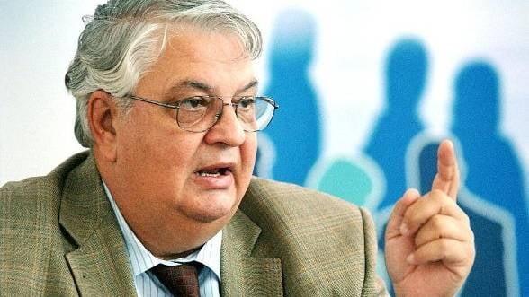 Editorial Mircea Cosea. Afaceri de stat. Noul cod rutier: aberant, abuziv, imoral
