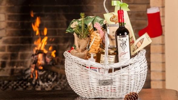 GALERIE FOTO Iarna aceasta Fabulous Baskets iti aduce bradul de Craciun acasa