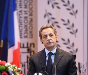 Atentate teroriste la Paris - Sarkozy vrea masuri extreme: Razboiul pe care trebuie sa-l purtam e total