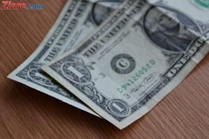 Curs valutar: Dolarul a ajuns la cel mai mare nivel din ultimele 2 luni