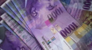 Curs valutar: Euro ajunge spre 4,78 lei. Francul elvetian urca vertiginos
