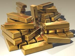 Curs valutar: Euro creste. Aurul a ajuns la maximul ultimelor sase luni