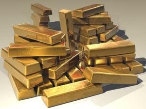 Curs valutar: Euro scade insesizabil, dar aurul a depasit pragul de 200 de lei