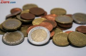 Curs valutar: Euro se apropie de 4,57 lei, pe fondul tensiunilor politice