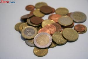 Curs valutar: Euro si dolarul incep saptamana in scadere