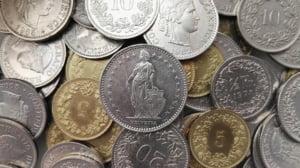 Curs valutar: Francul elvetian, la cel mai mare nivel din ultimii 5 ani