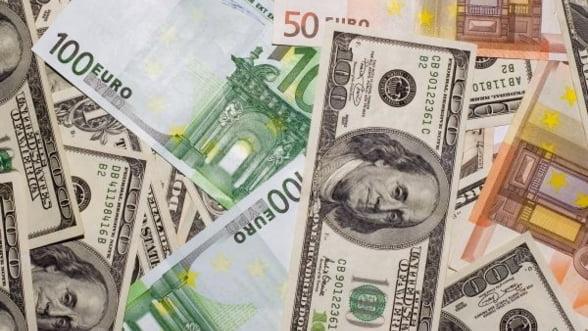 Curs valutar: Leul, la minimul ultimelor 10 saptamani fata de euro