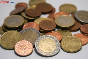 Curs valutar: Euro creste, dupa trei zile de scadere
