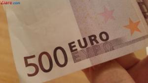 Curs valutar: Euro si dolarul cresc din nou