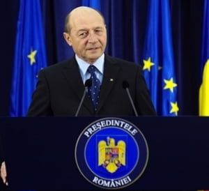 Romania, in recesiune Basescu: Lui Ponta ii duduie economia in cap. INS capoteaza sub presiune politica