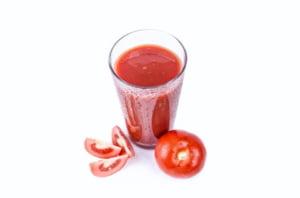 Tu stii ce mananci? Explicatia aiuritoare pentru care bulionul de la raft e facut din concentrat: rosia e fruct!