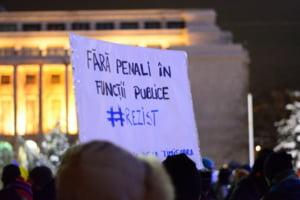 "LIVE A 12-a zi de protest - Oamenii se strang in fata Guvernului: ""Noi am ajuns! Voi?"""