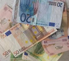 Curs valutar 13 iulie: Ce se intampla cu euro, dupa acordul pe soarta Greciei