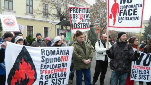 UPDATE Pungesti organizeaza un referendum pentru explorarea gazelor de sist in noiembrie