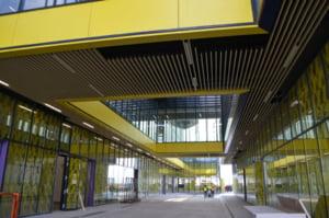 VIDEO A fost finalizat terminalul Aeroportului din Brasov. Autoritatile spera ca primul zbor sa aiba loc pana la sfarsitul anului