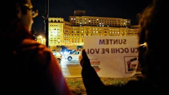 1 DECEMBRIE in tara - Politicieni, huiduiti de opozantii proiectului Rosia Montana, la Alba Iulia