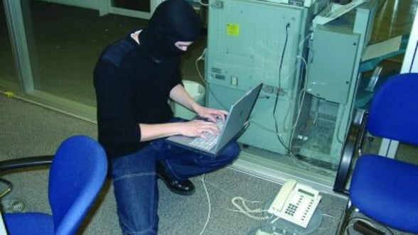 25 de Anonymous au fost arestati in februarie