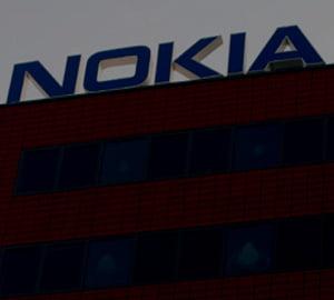 400 de muncitori de la fabrica Nokia au intrerupt lucrul
