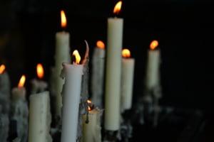 5 motive pentru care este indicat sa apelati o firma de servicii funerare din sectorul dumneavoastra
