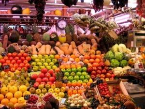 700 tone de legume si fructe, confiscate de Garda Financiara