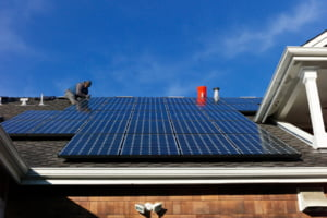 A cincea economie a lumii ia o decizie radicala: Toate casele noi trebuie sa aiba panouri solare