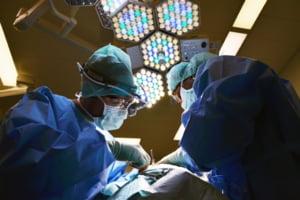 ANALIZA Dintr-un miliard de lei cheltuit pe asistenta medicala in starea de urgenta, un sfert din bani s-au dus pe sporuri si stimulente. Unele spitale si-au majorat ilegal suplimentele salariale