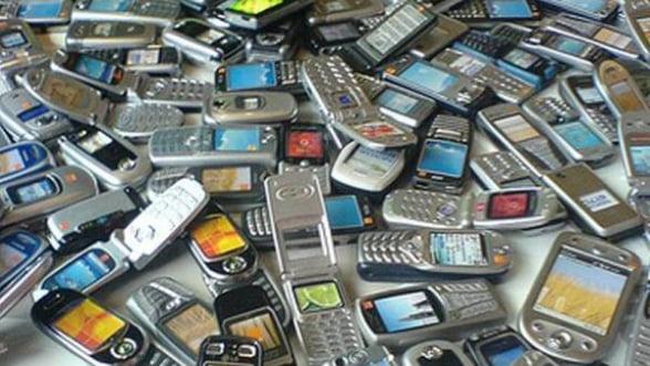 ANCOM: Scad tarifele maxime pentru apelurile telefonice