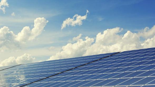 ANRE: De fapt, persoanele fizice NU pot vinde energie in retea, din lipsa de reglementari