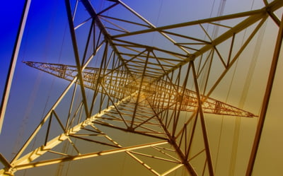 ANRE reduce tarifele de transport si distributie a electricitatii, ca urmare a eliminarii contributiei de 2%