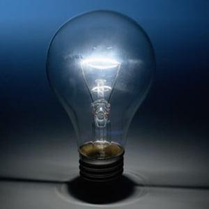 AREE: Guvernul nu a aprobat inca legea energiei regenerabile pentru ca se teme de scumpirea energiei