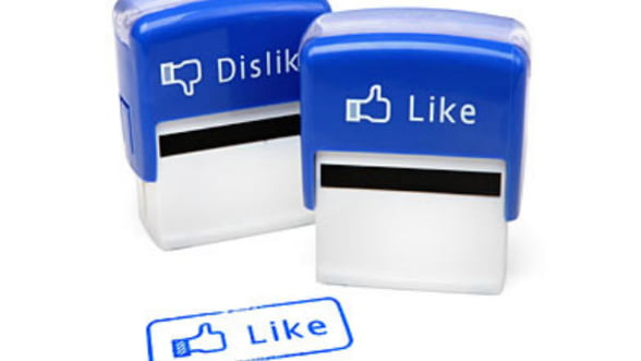 """Accesorii amuzante pentru birou: Stampile """"Like"""" sau vaza USB"""