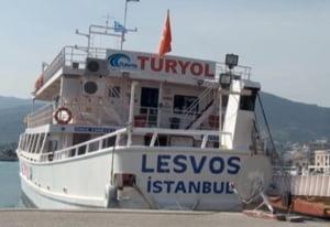 Acordul UE-Turcia: Prima barca cu migranti a plecat din insula elena Lesbos spre coastele turcesti