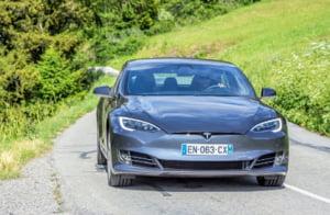 Actiunile Tesla au scazut cu pana la 11%: S-au dus 5 miliarde de dolari