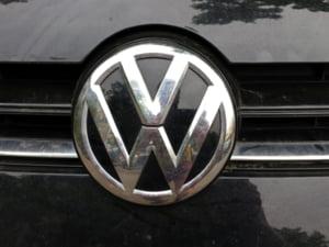Actiunile Volkswagen se redreseaza, dar viitorul directorului general este incert