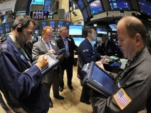Actiunile europene au inchis in scadere puternica, Wall Street coboara cu 1,7%