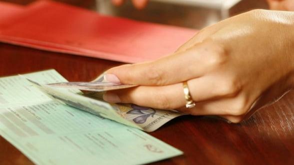 Activele fondurilor de pensii private au depasit trei miliarde de euro