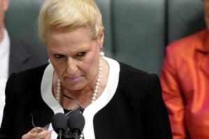 Acuzata ca a mers pe gratis cu elicopterul, sefa Parlamentului din Australia si-a dat demisia