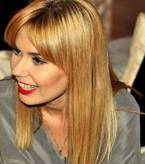 Adina Mocanasu, pe urmele lui Christian Lacroix in Romania