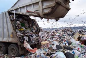 Administratorii gropii de gunoi Glina, retinuti: Ar fi spalat banii mafiotilor de la Cosa Nostra