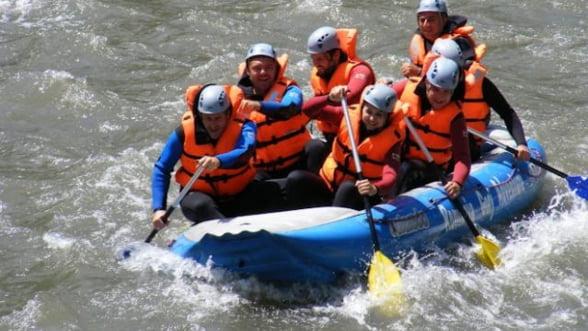 Adrenalina la maxim, in ape repezi: Rafting, de 1 mai
