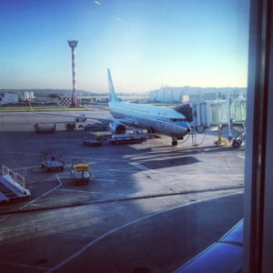 Aeroportul Otopeni risca sa functioneze cu o singura pista, tocmai cand mii de suporteri straini vor sosi in Romania, la EURO 2020